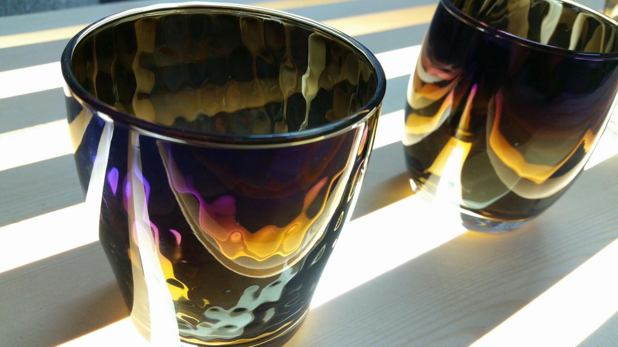 七色に輝くグラス
